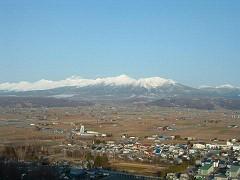 雪を頂く十勝岳